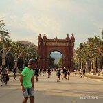 patineurs Arc de Triomphe Barcelone