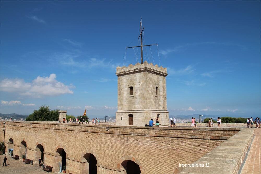 tour château Montjuïc