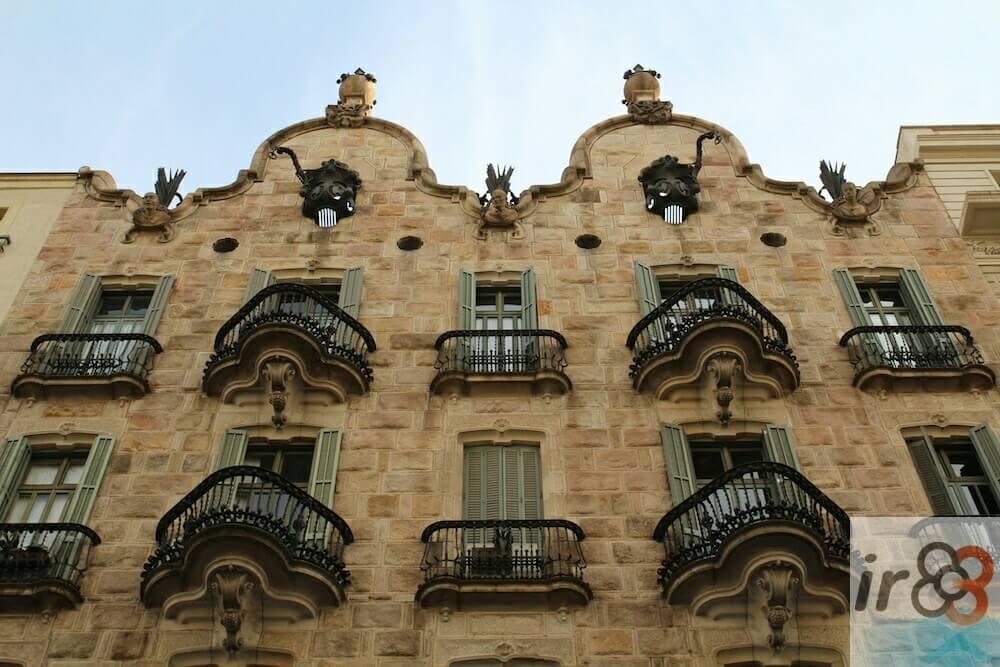 façade Casa Calvet