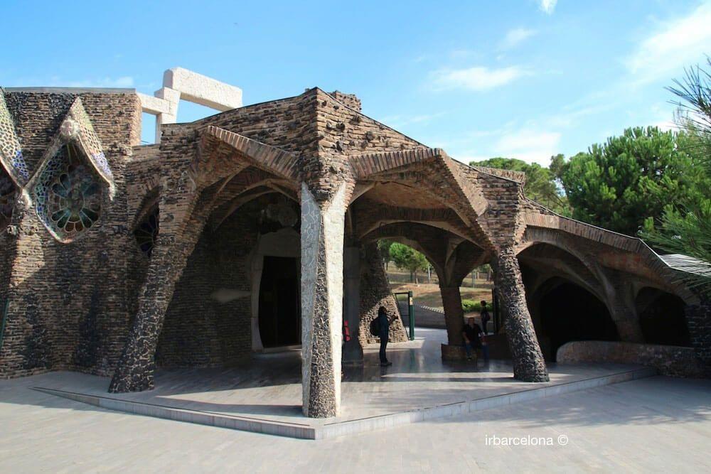 Colonia Güell, Cripta Gaudí et Catalunya en Miniatura