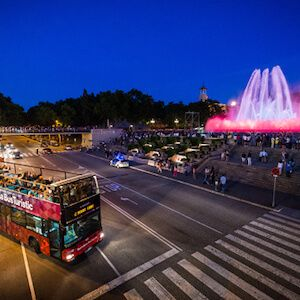 route nocturne dans le bus touristique